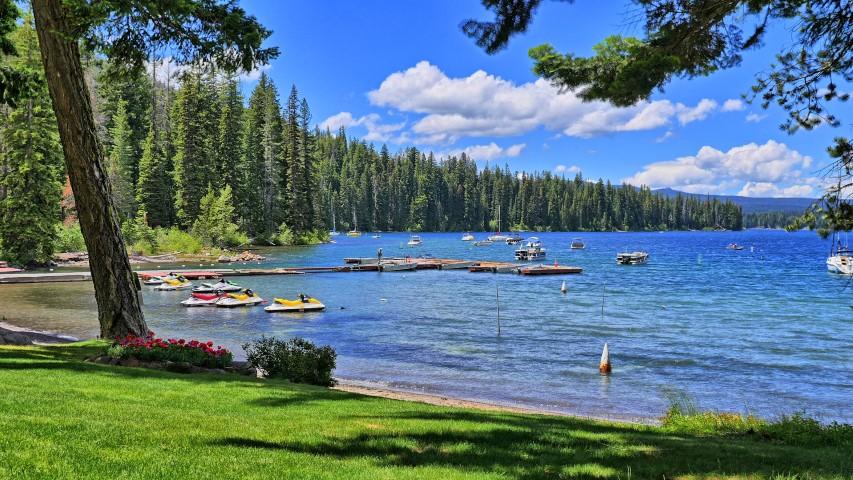 Home cultus lake resort for Cabins at cultus lake